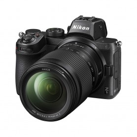 尼康(Nikon) Z5 數碼相機連 NIKKOR Z 24-200mm f/4-6.3 VR 鏡頭套裝